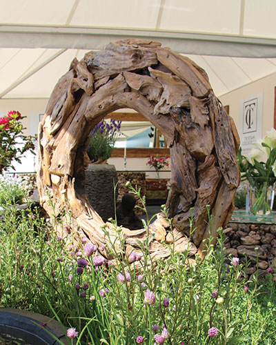 Driftwood sculptures and balls tristan cockerill Driftwood sculptures for garden